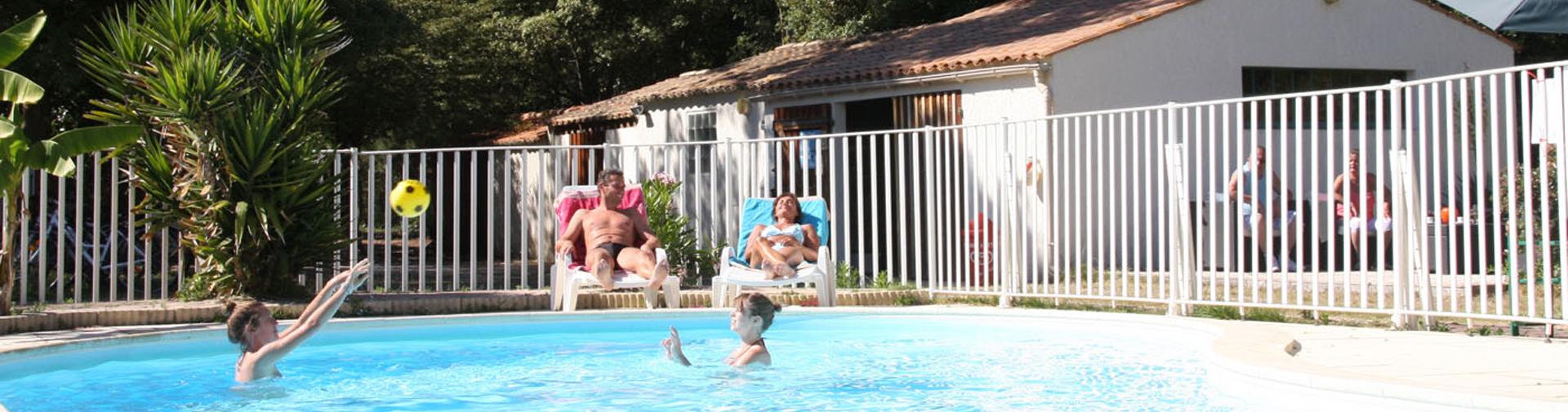 Détendez vous à la piscine du camping à Saint Georges d'Oléron