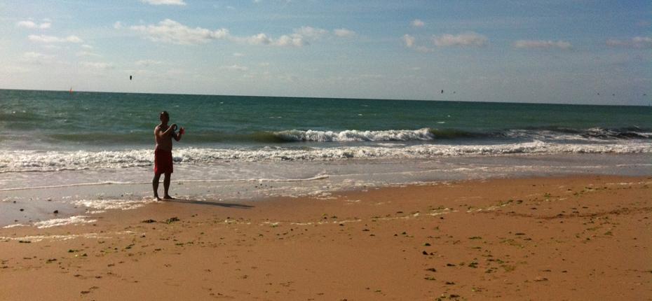 Reposez vous sur le sable de la plage de l'île d'Oléron à proximité de notre camping