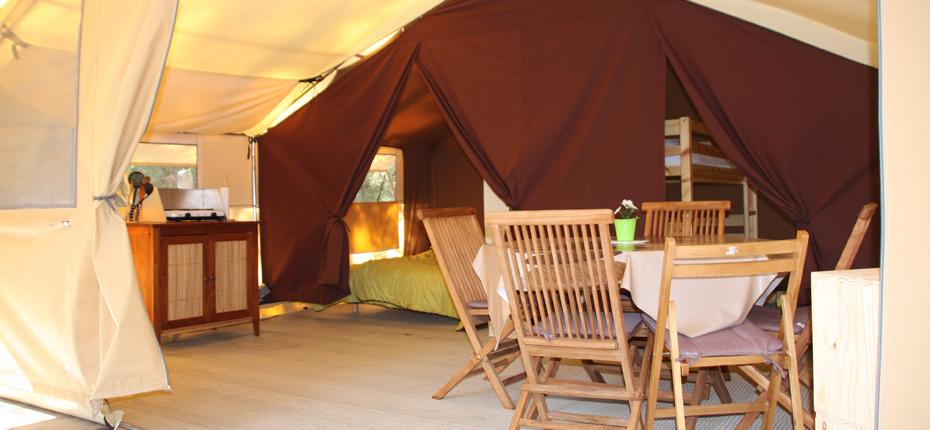 Installez vous sur votre emplacement tente lodge 2/5pers à Oléron