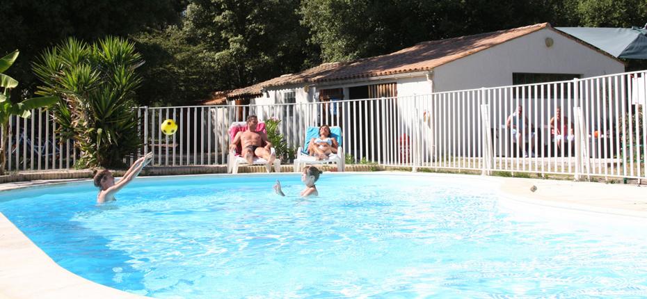 Détendez vous dans notre piscine à Saint Georges d'Oléron
