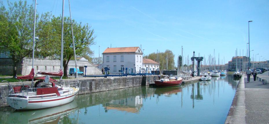 Baladez vous au port de plaisance de Rochefort