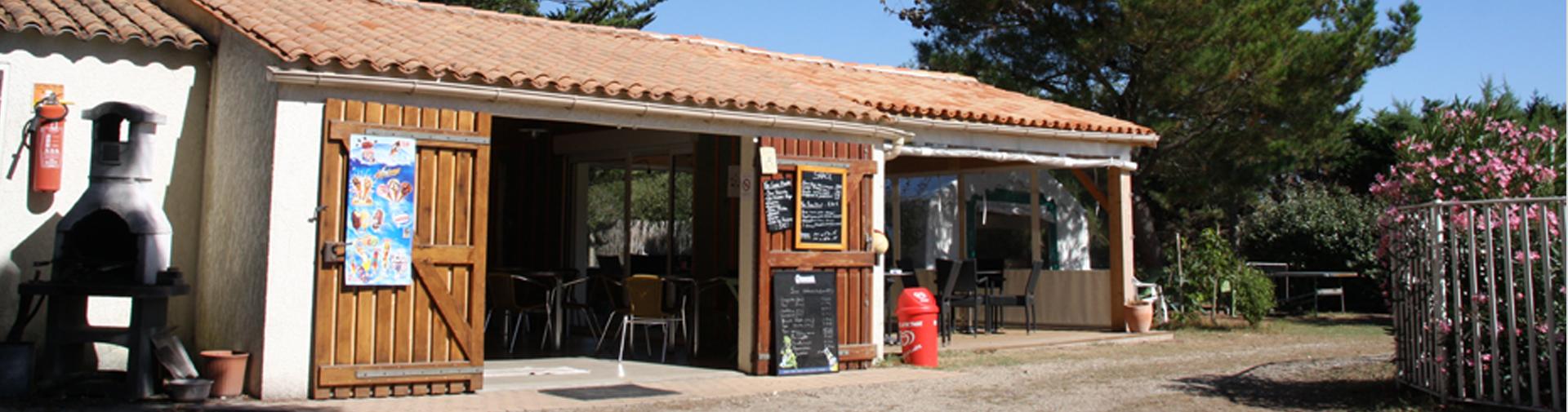 Le snack et le bar sont à votre disposition au camping sur l'île d'Oléron